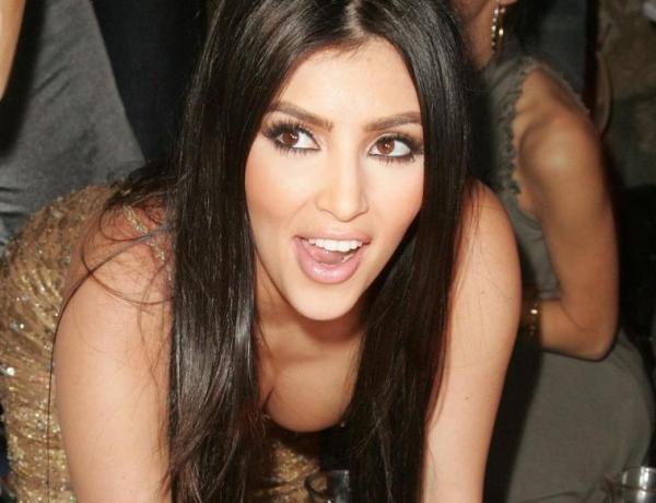 Kim Kardashian : Elle ne prend pas que du ventre !