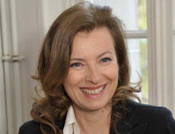 Le clin d'oeil moqueur de Valérie Trierweiler à François Hollande !