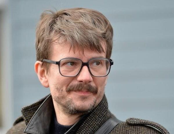 C'est officiel, Luz annonce son départ de Charlie Hebdo et quitte la France