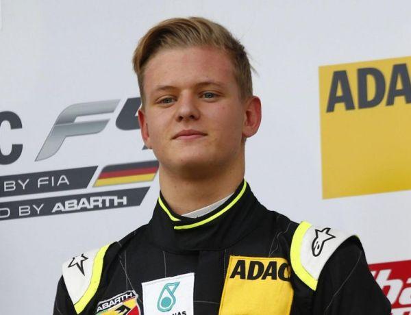 Michael Schumacher « manque à son fils »