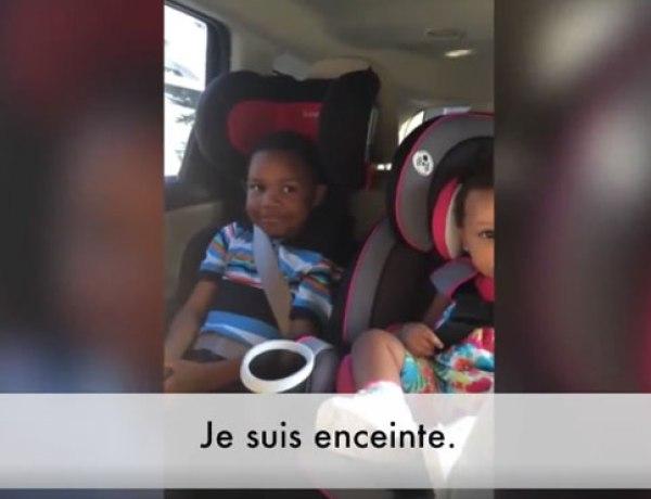 La réaction de ce petit garçon qui va être grand frère est très drôle…