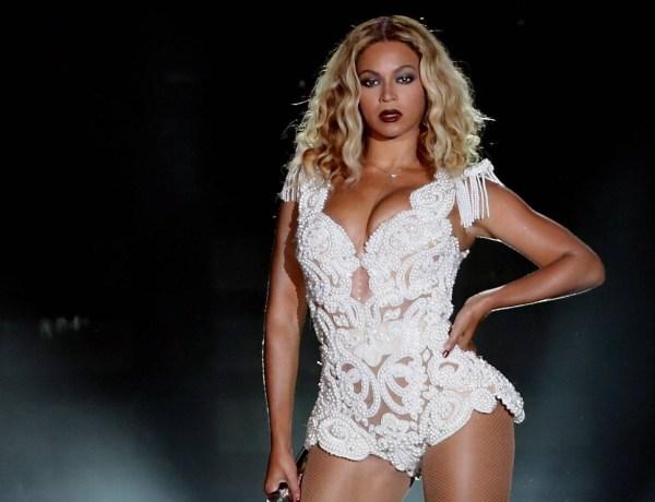 Beyoncé : Une fan joue à Pokémon Go devant la chanteuse en plein concert