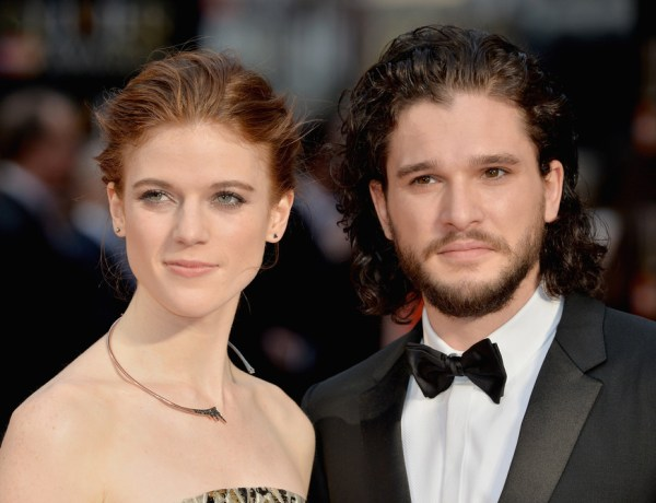 Kit Harington et Rose Leslie de Game of Thrones amoureux sur le red carpet !