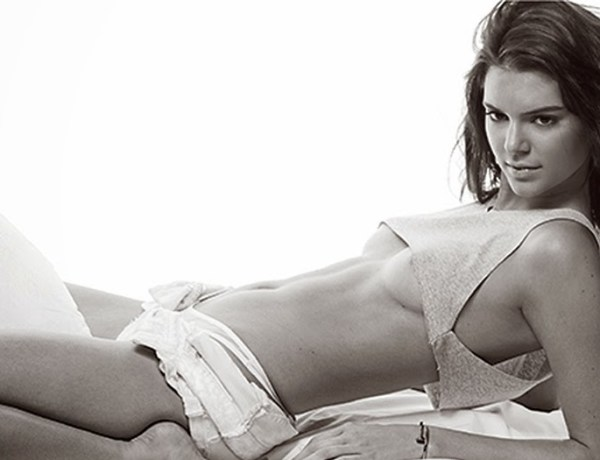 Photo ! Kendall Jenner ose le underboob !