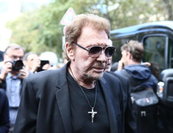 Johnny Hallyday malade : Le chanteur hospitalisé d'urgence pour détresse respiratoire ?