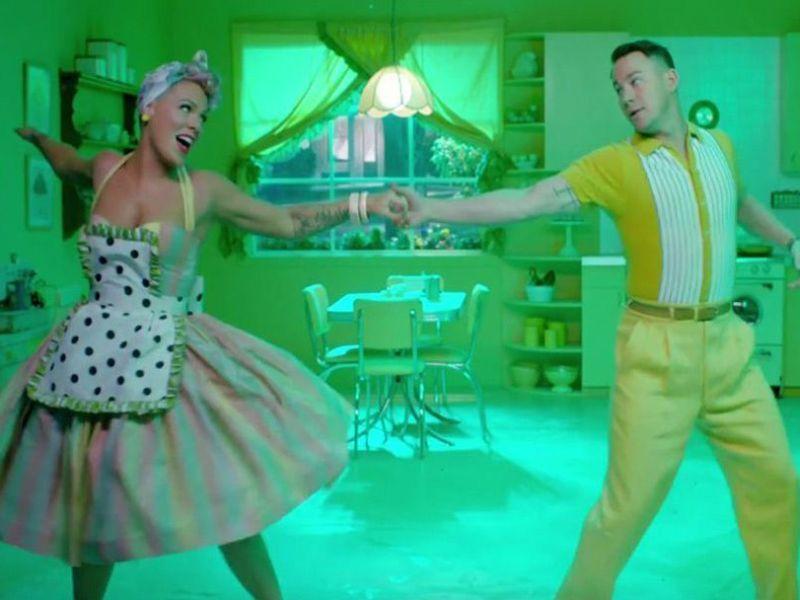 Channing Tatum pète un câble dans le dernier clip de Pink