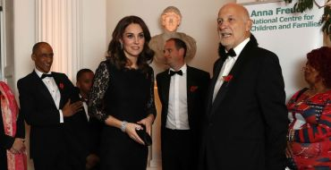 Kate Middleton enceinte : La future maman dévoile son ventre arrondi lors d'une soirée de gala