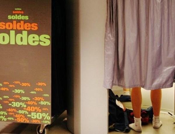 À Lyon, un adolescent surpris en train de se masturber dans une cabine d'essayage