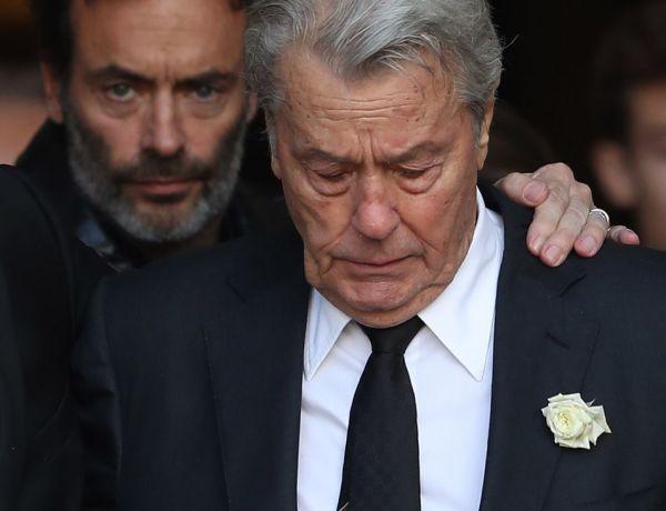 """Alain Delon """"seul et malheureux"""" : Les confidences poignantes de son fils"""