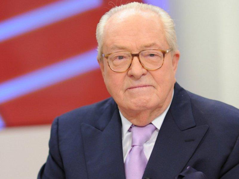 Jean-Marie Le Pen tacle sa fille Marine : « J'ai pitié d'elle »