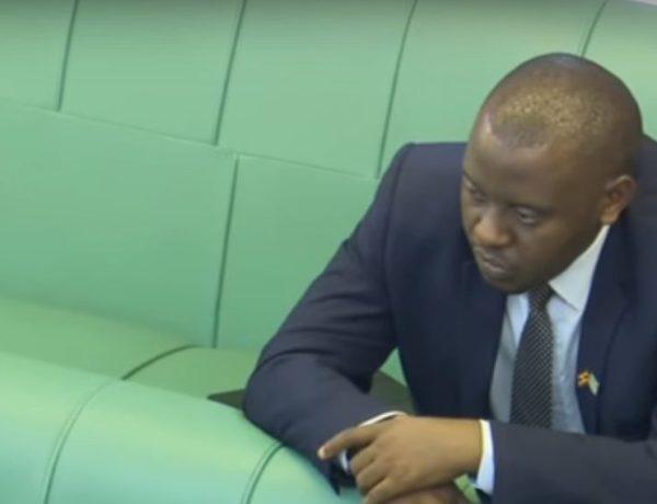 Ouganda : Un député encourage les hommes à « battre leur femme » puis s'excuse