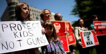 Un petit garçon tue accidentellement sa sœur de 9 ans par balle…