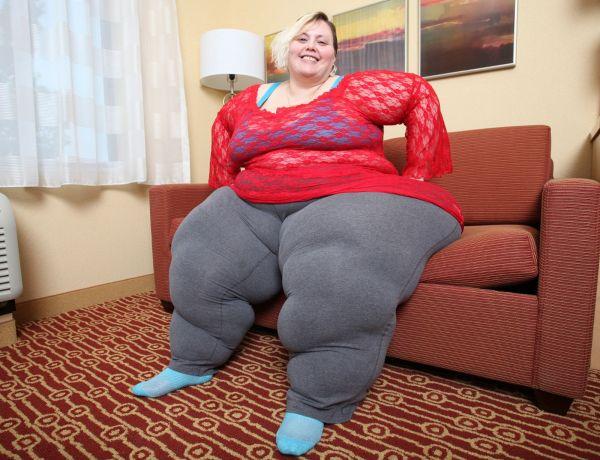 Au péril de sa vie, cette femme veut avoir les hanches les plus larges au monde