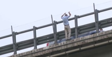 Italie : Un homme jette sa fille du haut d'un pont et se suicide