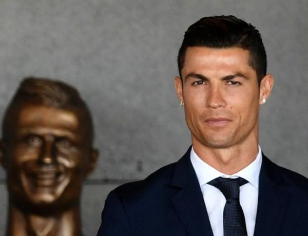 Cristiano Ronaldo : Sa statue ratée a enfin été changée !