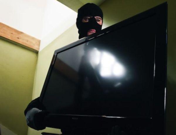 Besançon : Un cambrioleur demande de l'aide pour voler une télévision