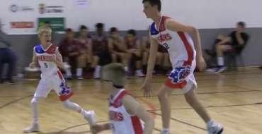 Ce basketteur humilie ses adversaires : À 12 ans, il mesure déjà 2,13 mètres