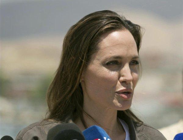 Angelina Jolie voudrait adopter un enfant syrien