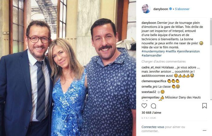Dany Boon pose aux côtés de Jennifer Aniston et Adam Sandler