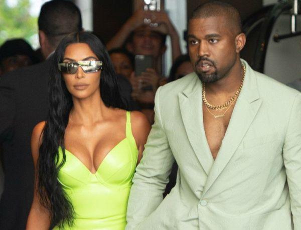 Quand Kanye West vient au mariage de son ami 2Chainz… en pantoufles !