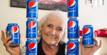 Alimentation : Elle ne boit que du Pepsi, et rien d'autre, depuis 64 ans