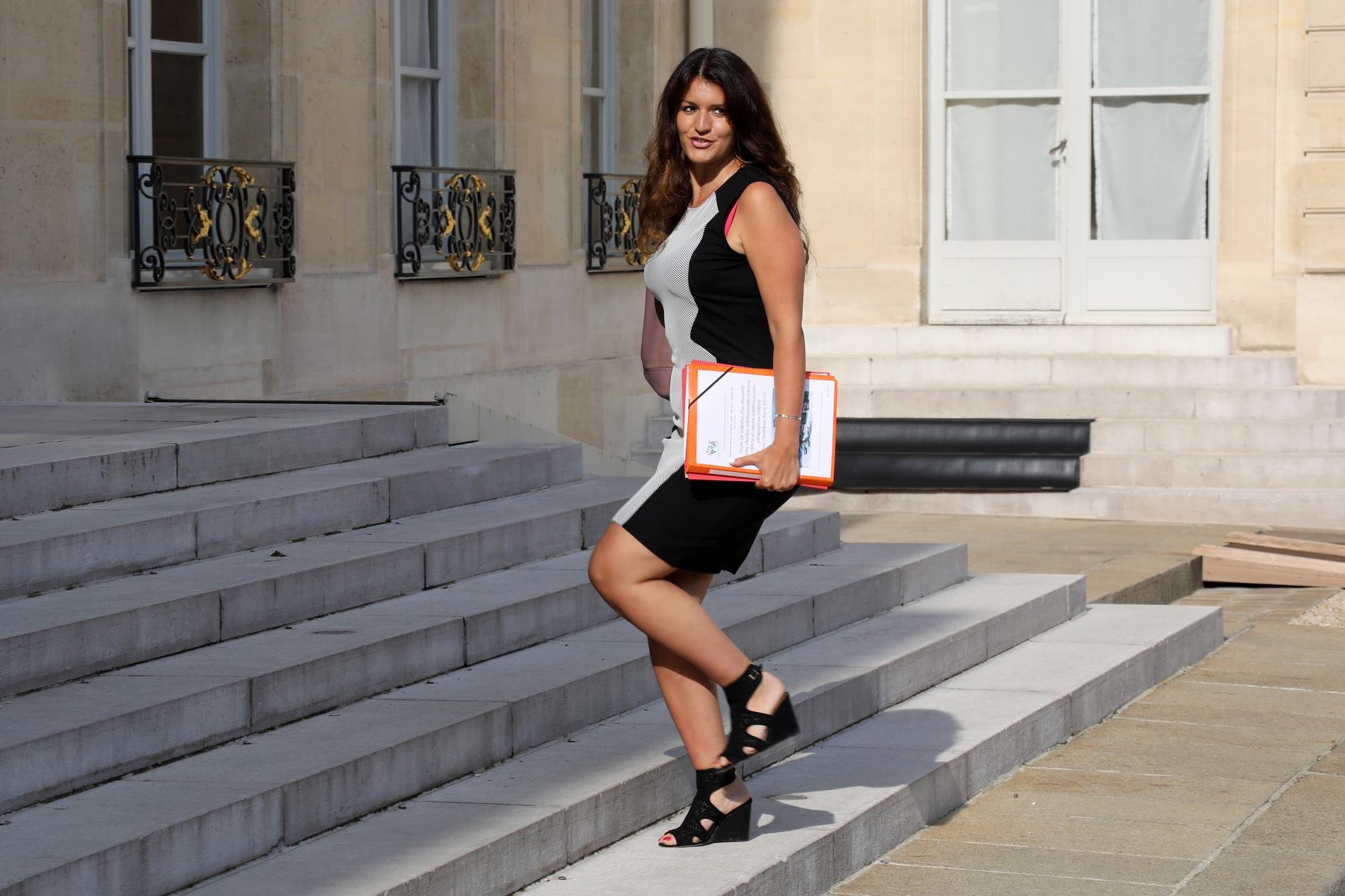 Son changement de look pour la bonne cause — Marlène Schiappa