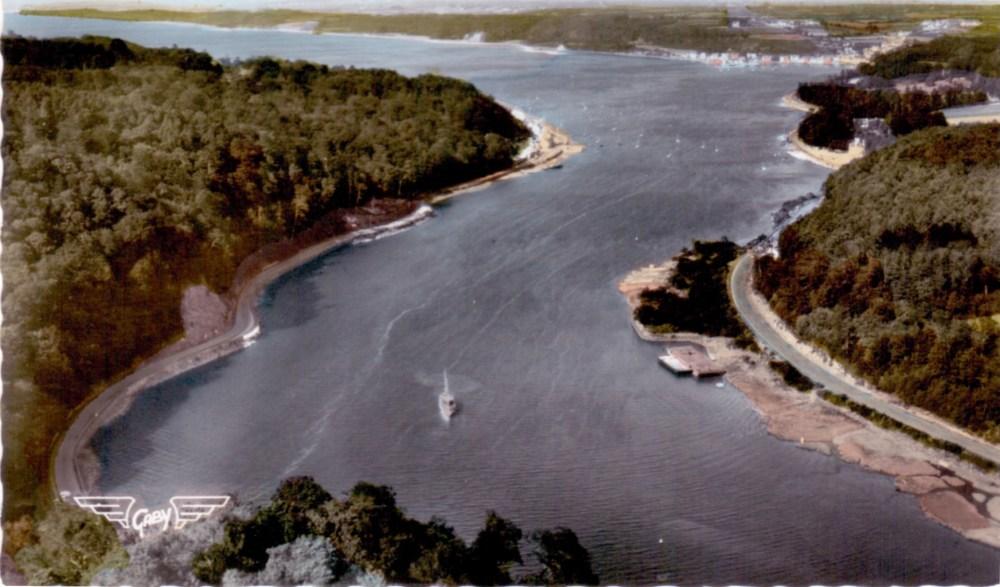 carte postale semi-moderne de la rivière de Morlaix dans les années 60