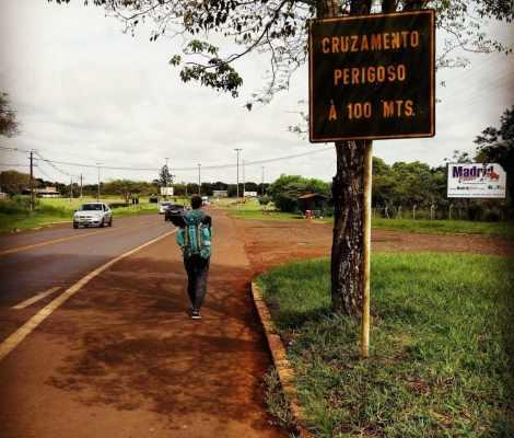 Passage de frontière Brésil-Argentine à pieds. Le tour du monde continue sur les chapeaux de roue. #enmodebaroudeurs 3