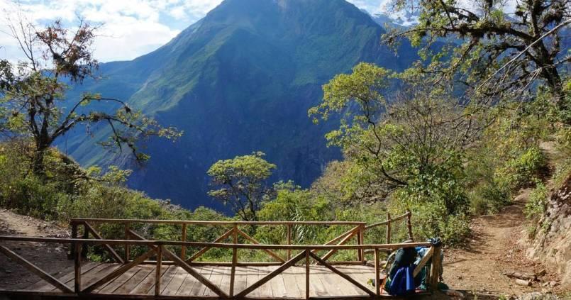 2 jours de treck pour atteindre le site de Choquequirao, appelé aussi le mini Machu, 1100 mètres de dénivelés négatifs puis 1500 positifs pour y arriver 1
