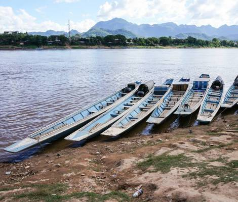Bateaux sur le Mékong. 13