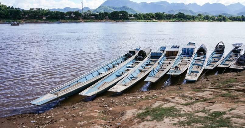 Bateaux sur le Mékong. 1