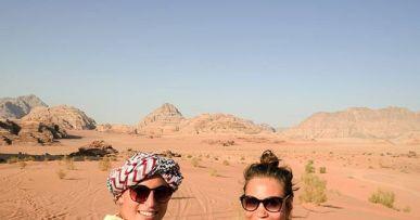 Les Morissettes sur fond de Wadi Rum 😍 #seulesaumonde #jordanie #jordan 3
