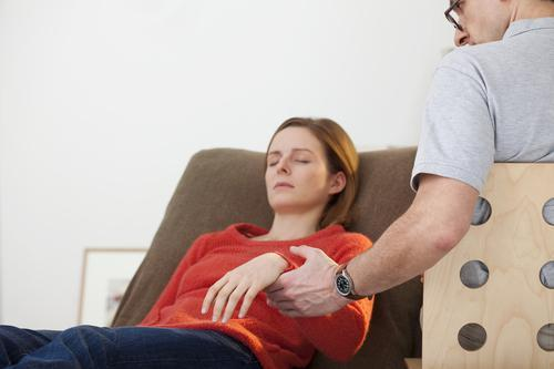 Hypnosis, a real solution against pain insomnia or smoking