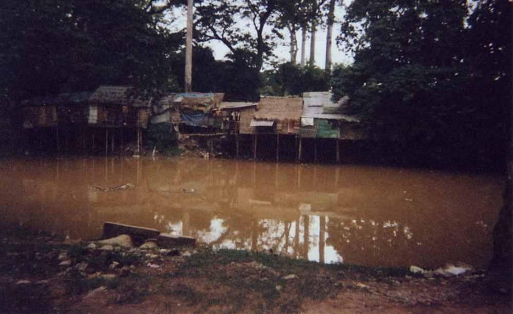 Siem Reap - abris de fortunes non loin d'Angkor
