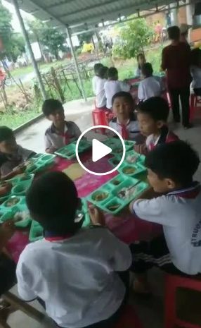 OCTOBRE 2018 - Une cantine solidaire à Tan Thoï