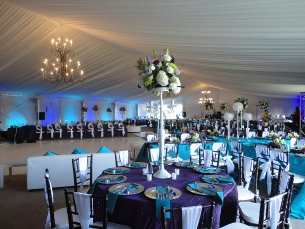 tent1 +5 Tips to Decorate Your Outdoor Wedding