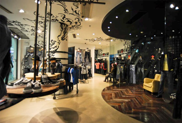 lee1 The Most Creative Retail Design Ideas