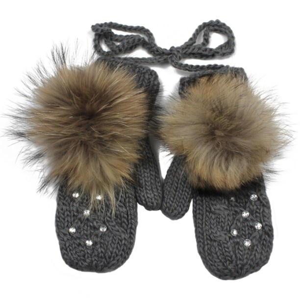 short-mittens. Best 10 Ideas for Choosing Winter Gifts