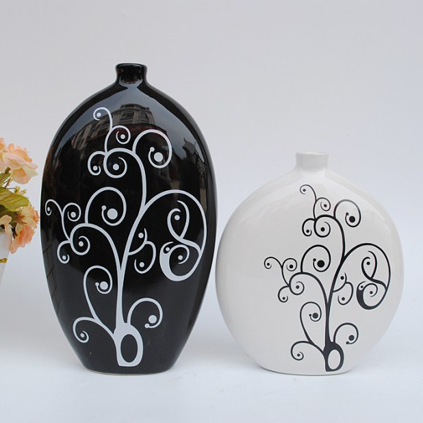Modern-fashion-ideas-of-Jingdezhen-ceramics-abstract-arts-and-crafts-home-furnishings-home-decor-decoration-black-and-white-vase_2 25 Elegant Black And White Dining Room Designs