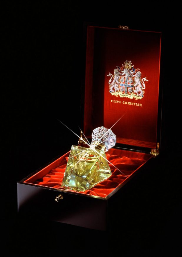 clive-christian-no-1-perfume-imperial-majesty-edition-photo-1 10 Most Expensive Perfumes for Women in The World