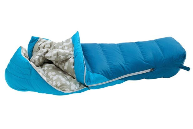mec_explorer_down_sleeping_bag_0c_kids_angle Use Sleeping Bags For Kids And Make Them Feel Comfortable