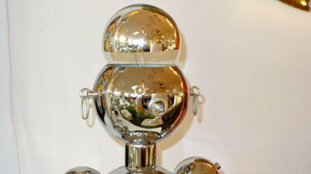 robot-head-lamp 35 Amazing Robo Lamps for Your Children's Room