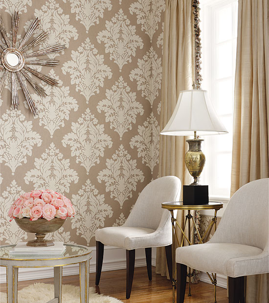 damask-wallpaper-2 Tips On Choosing Wall Papers For Your Living Room