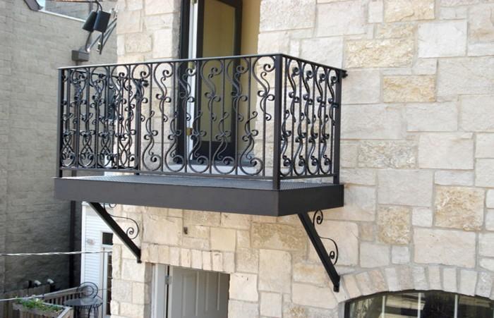 thép-ban công-nền-rèn-thép-parisian-búa-lan can-chi Chicago 60+ thiết kế lan can tốt nhất cho ban công Catchier