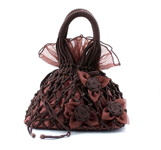 New-women-s-Elegant-evening-bags-Ladies-wedding-bag-Lace-net-evening-bag-with-lotus-leaves 50 Fabulous & Elegant Evening Handbags and Purses
