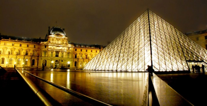louvre-museum Top 10 Romantic Vacation Spots for Couples to Enjoy Unforgettable Time