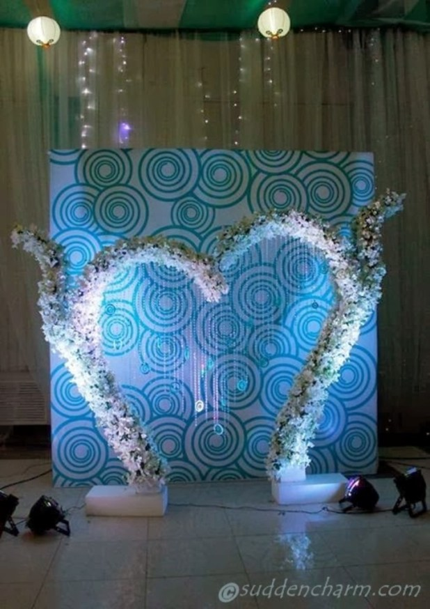 wedding-stage-4 25 Awesome Wedding Decorations in 2014