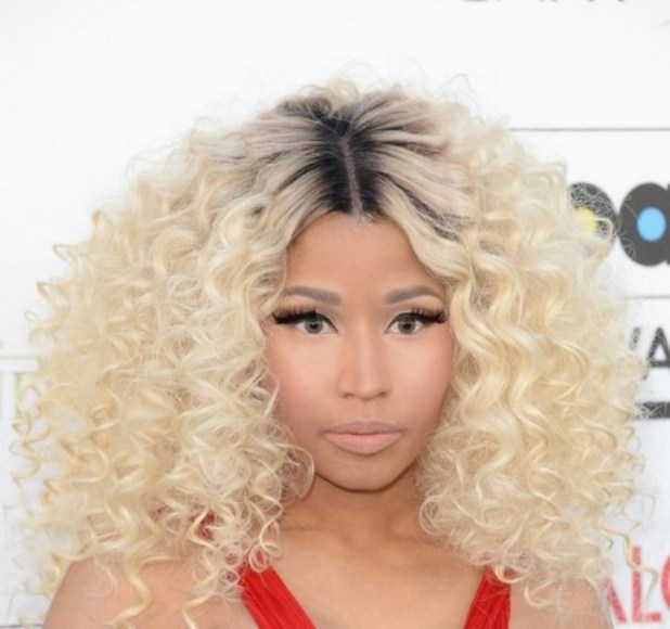 Nicki-Minaj-Blonde-Curly-Hairstyle-with-dark-roots The Worst Celebrity Hairstyles in 2015