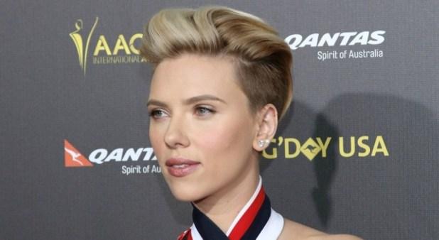 Scarlett-Johansson The Worst Celebrity Hairstyles in 2015