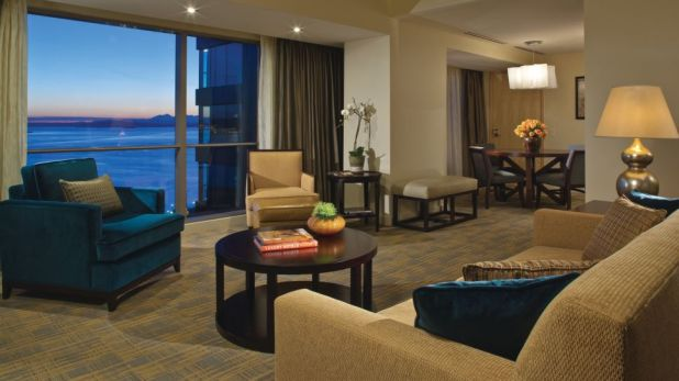 006297-05-suite-living-room-ocean-view Top 10 Best Hotels in USA You Can Stay in